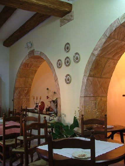 Valorizzare un architettura in relazione alla sua storia creazioni d 39 arte di giorgio sedda - Decorazione archi in casa ...